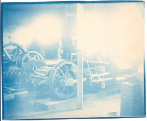 1885 Early Steam Engine (2)